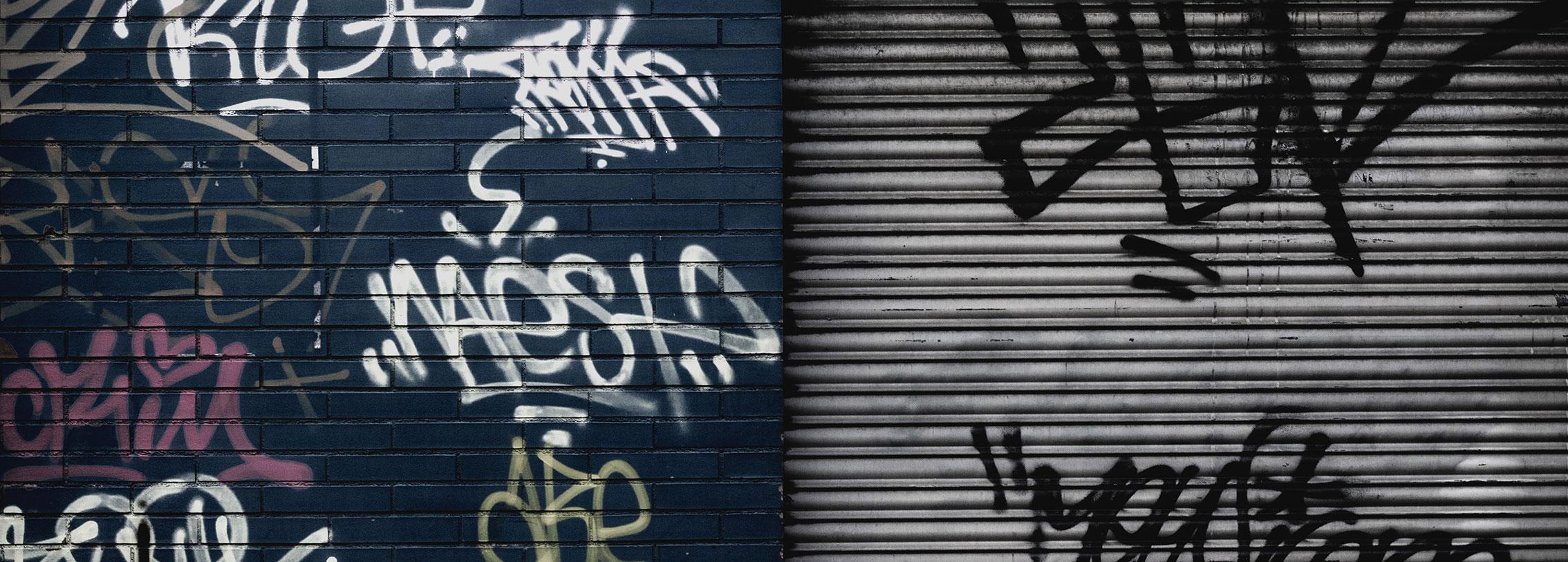 Limpieza grafitis en fachadas. Limpiezas Ayala