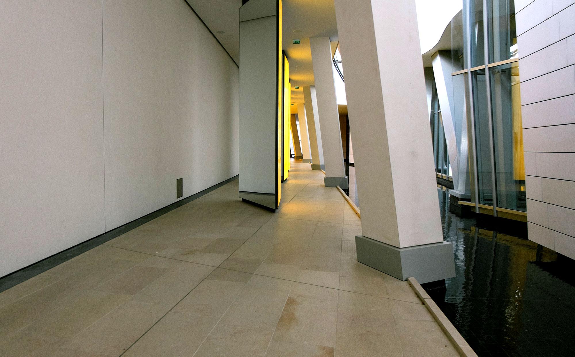 Limpieza de suelos de mármol. Limpiezas Ayala